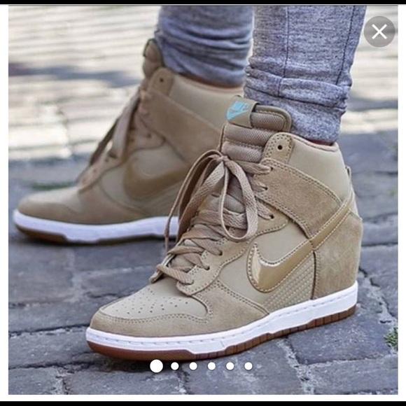 Gdzie mogę kupić zniżki z fabryki więcej zdjęć Nike Dunk Sky High Essential wedge sneakers